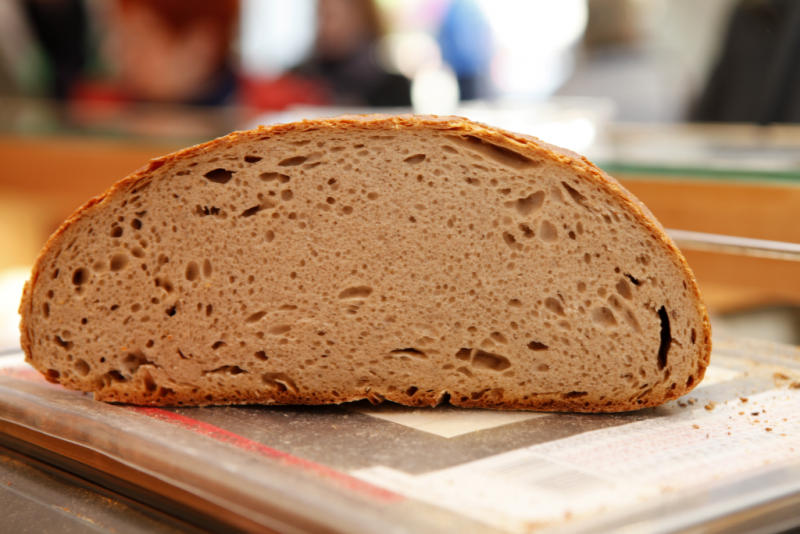 Hofpfisterei Brot halb