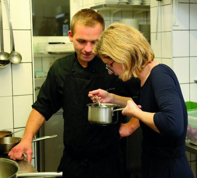 Restaurantleiterin Viktoria Kniely und Küchenchef Christoph Hauser.