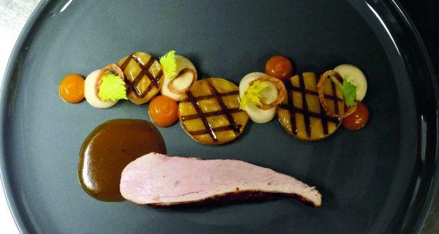 fleisch schwein in rotwein elnlegen